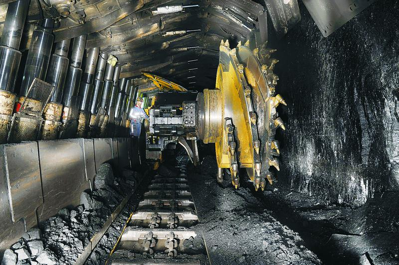 人民日报:煤矿安全大检查 查处8万余项隐患
